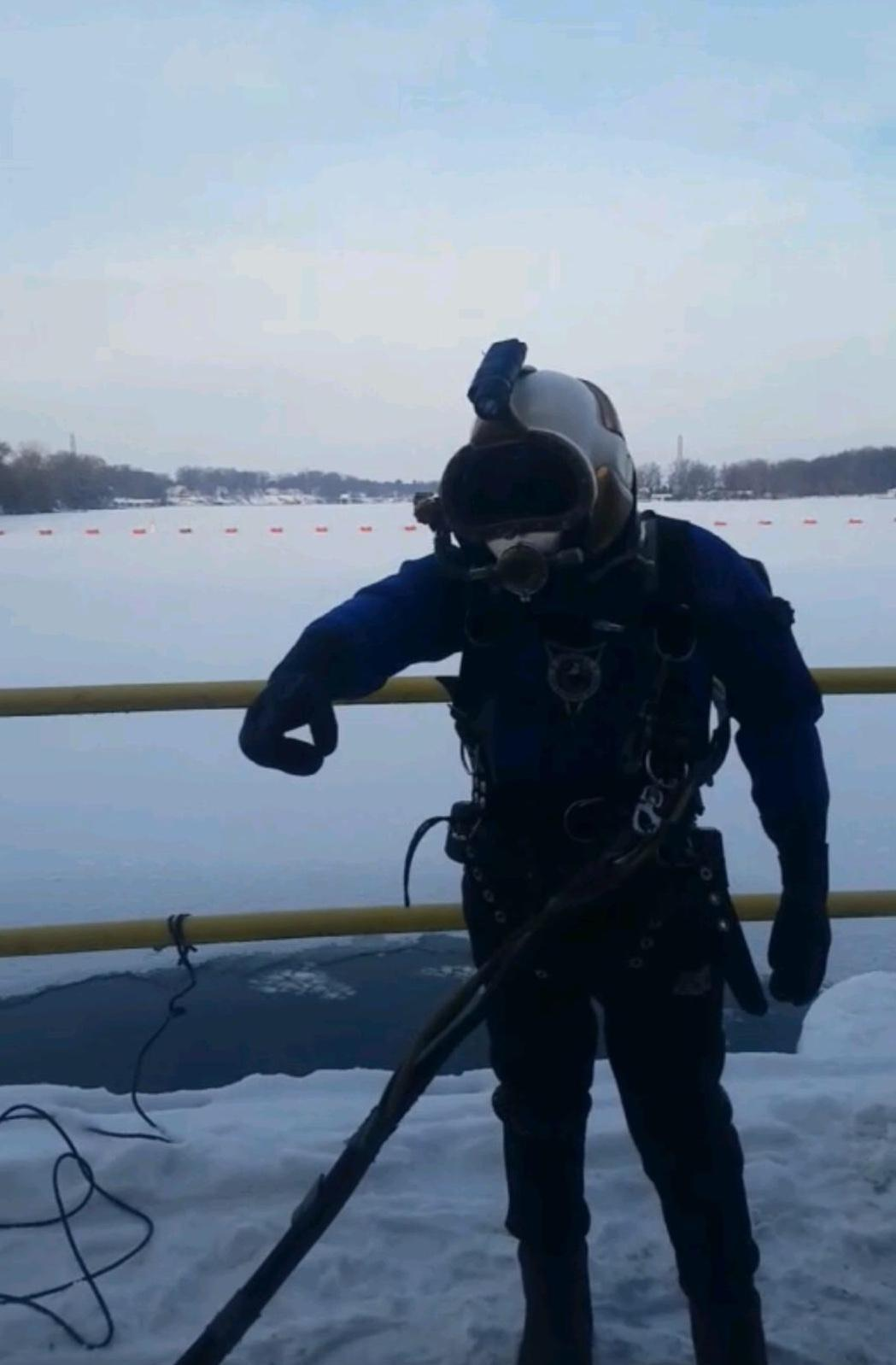 Lindahl Marine performs work even in the most inclement weather